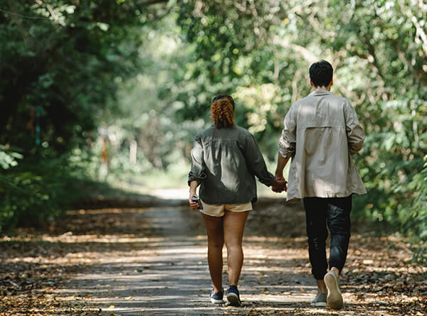 Couple walking to improve relationship